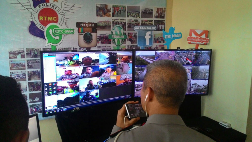 Bandung, 29 Desember 2015, Vmeet-Pro diluncurkan oleh Polda Jawa Barat |kakorlantas-polri-1